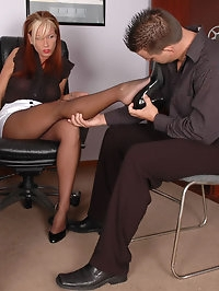 Sexy executive in lusty pantyhose