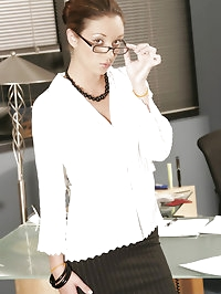 Secretary hoe Jordana screwing the boss