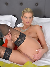 Dont miss out on lingerie-loving Samantha Snow. After the..
