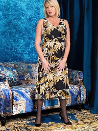 Bigtit housewife Amy Goodhead is the hottest cougar..