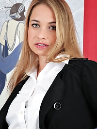 Back from a hard day of work, hot mom Olga Cabaeva is..