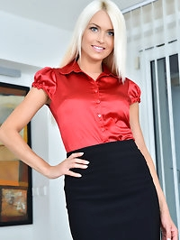 Blonde babe Lena Love is here to show you that Czech moms..