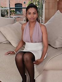 Gorgeous newcomer Alishaaa Mae