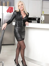 Blonde MILF Carolina Carla enjoys a glass of wine before..
