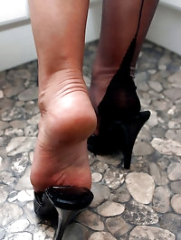 Lana has a big thing for sexy feet and hard cocks