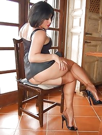 Amanda likes nude stockings