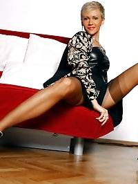 Perfect MILF legs in swarthy vintage stockings and hot..