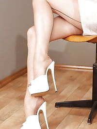 Plateau Mules Teacher in Seamed Stockings