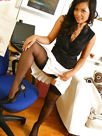 Amazing Luani slowly slips out of her office gear to show..